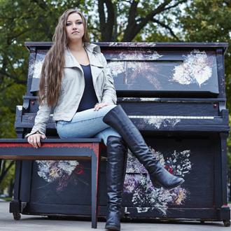 Yogane Lacombe – pianiste